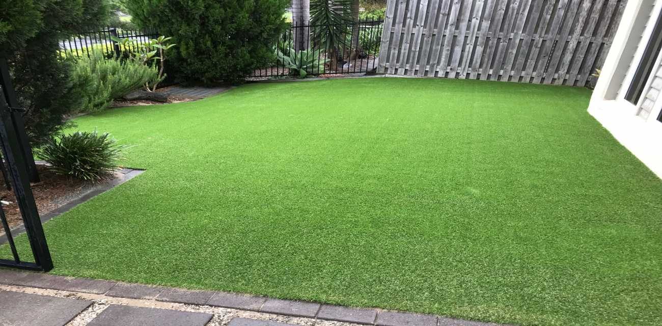 artificial turf front lawn after