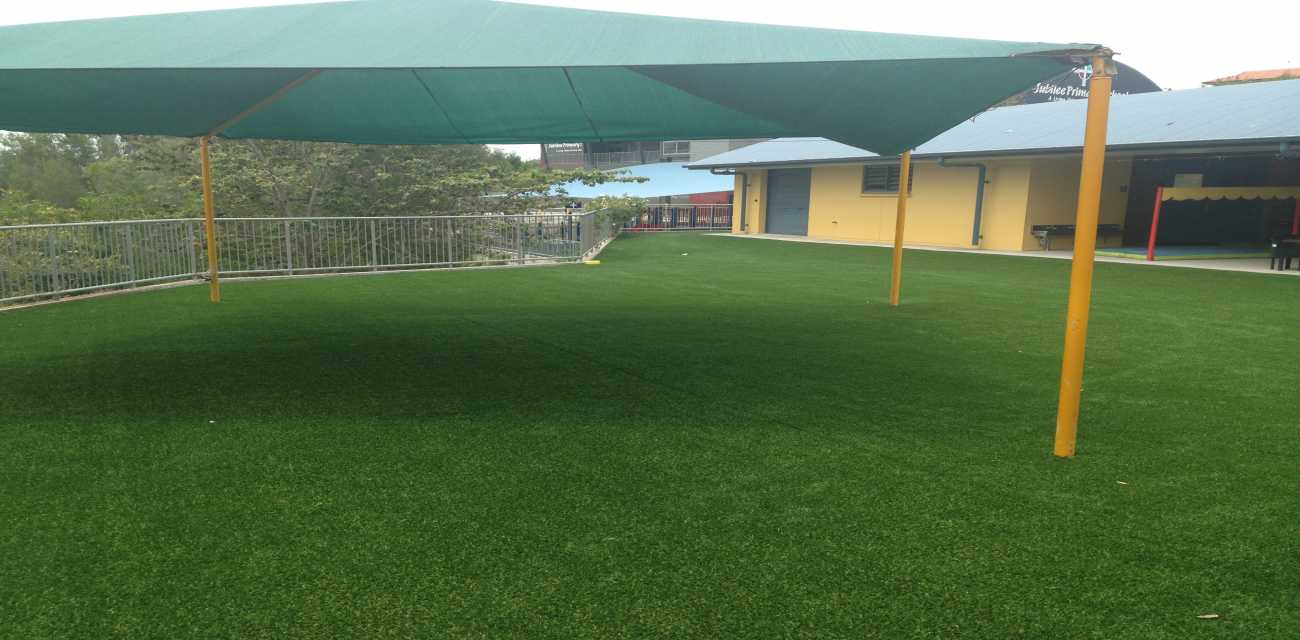 Forever Turf is Suitable for residential lawns and commercial recreation areas.