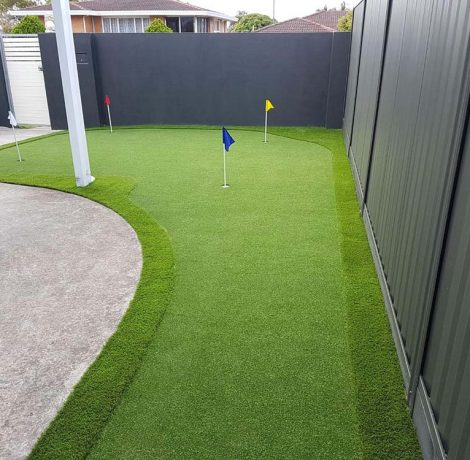 front yard home putting green